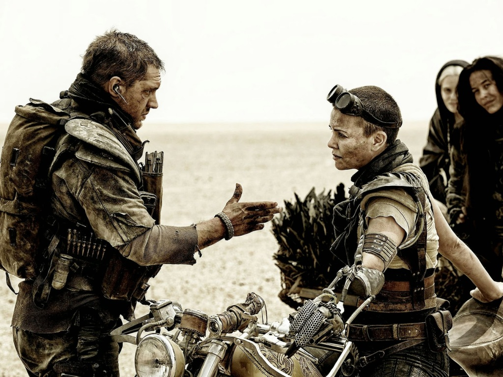 Mad Max (Tom Hardy) e Imperator Furiosa (Charlize Theron).